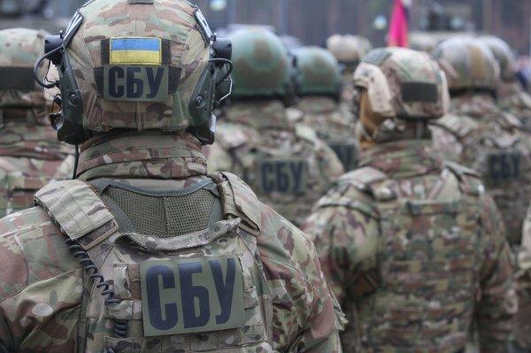 В Херсоне группа активистов хотела отбить у СБУ арестованного крымского депутата