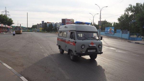 В Ростове перевернулся автомобиль скорой помощи