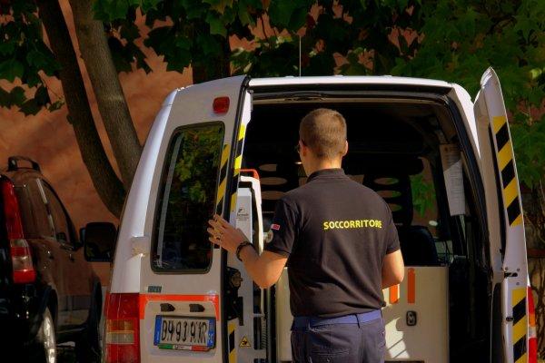 В Великом Новгороде пациент умирал в 10 метрах от госпиталя