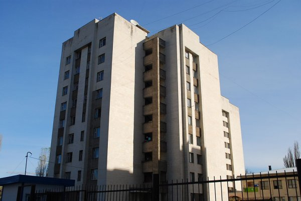 В Петербурге загорелось общежитие на улице Кузнецова