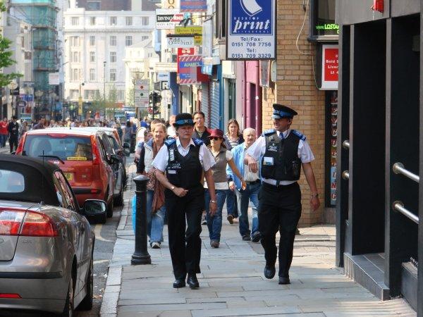 СМИ: Полиция занята проверкой подозрительного фургона около Букингемского дворца