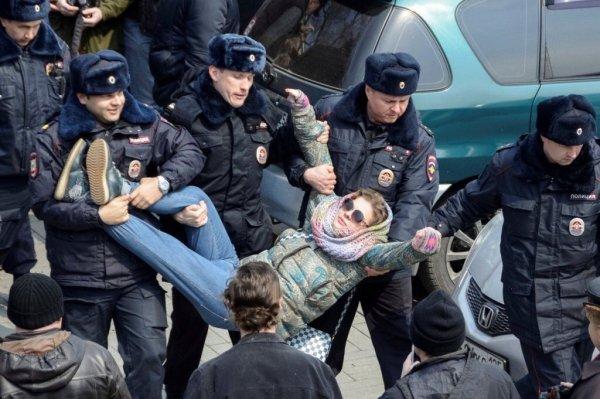Омская студентка получила срок за избиение росгрвардейцев