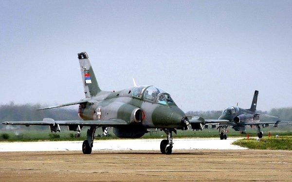 В Сербии потерпел крушение военный самолет