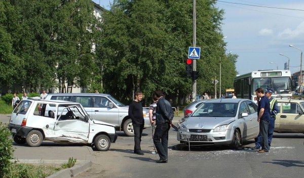 В ДТП в Подмосковье с участием пяти авто погибли три человека