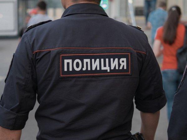 В Красноярске несовершеннолетние избили женщину прямо на тротуаре