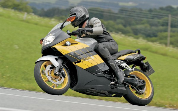 Разбившийся мотоциклист, случай которого назван самым жутким, выжил