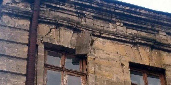 В центре Москвы эвакуировали жилой дом из-за угрозы обрушения соседнего здания