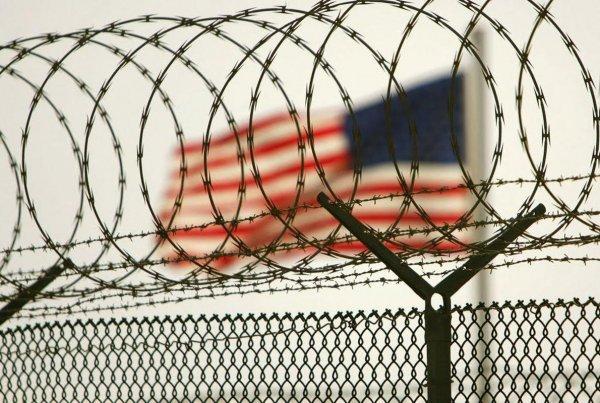 Массовая драка произошла в американской тюрьме: 7 убитых, 17 пострадавших