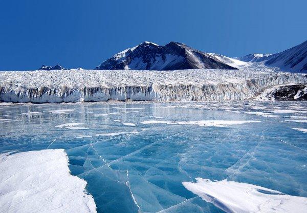 Уфолог из Нижнего Тагила засёк НЛО в Антарктиде