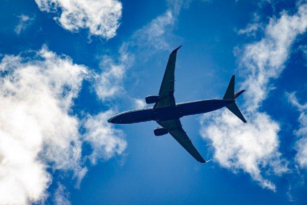 В Пулково сняли с рейса двух неадекватных пассажирок, летевших на Кубу