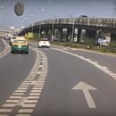 Опубликовано видео того, как НЛО упал перед автомобилем