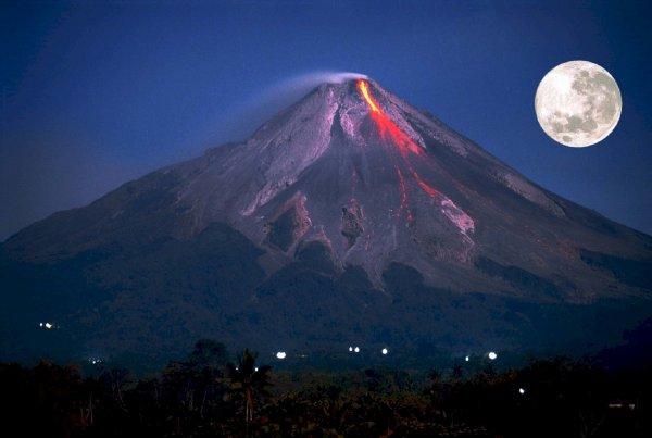 Извержение вулкана произошло на юго-западе Японии