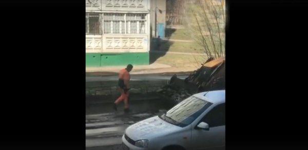 В Нижнем Новгороде с целью экономии дорожные службы превращали старый асфальт в новый