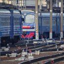 Оторвавшаяся дверь электрички зацепила подростков в Москве