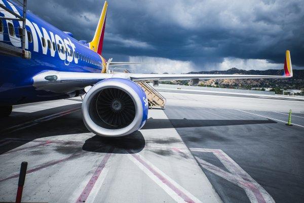 В Европе и США объявили о срочных проверках двигателей Boeing-737