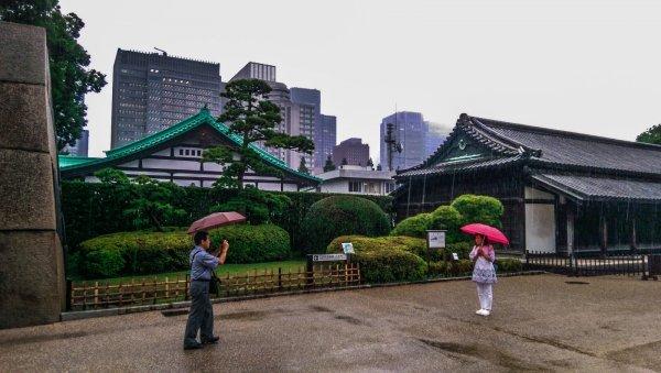 В центре Токио по ошибке объявили об угрозе теракта