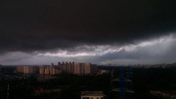 В Москве разрядился ураган