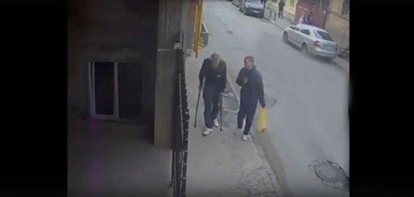 В Ростове-на-Дону «добрый» юноша ограбил старика-инвалида