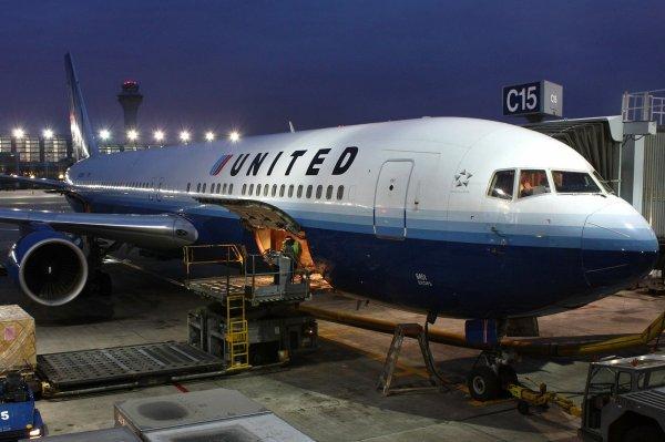 Летевший из Лос-Анджелеса в Шанхай лайнер экстренно приземлился в Японии
