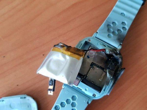 Детские часы с трекером взорвались на глазах жителя Брянска