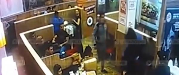 В Burger King охранник избил клиента-рэпера