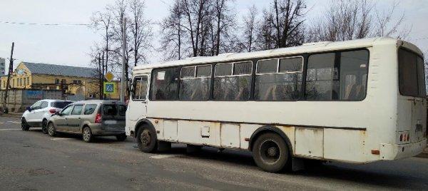 Внезапные схватки начались у беременной пострадавшей в ДТП в Иваново