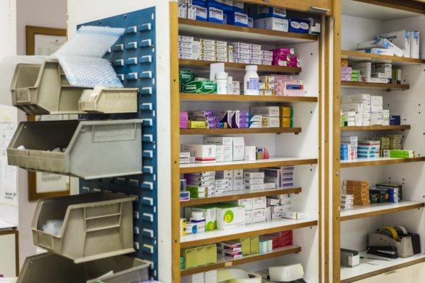 Московская полиция пресекла незаконную деятельность 38 аптек