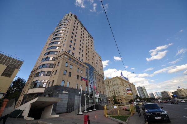 В Москве произошло обрушение бизнес-центра, пострадали люди