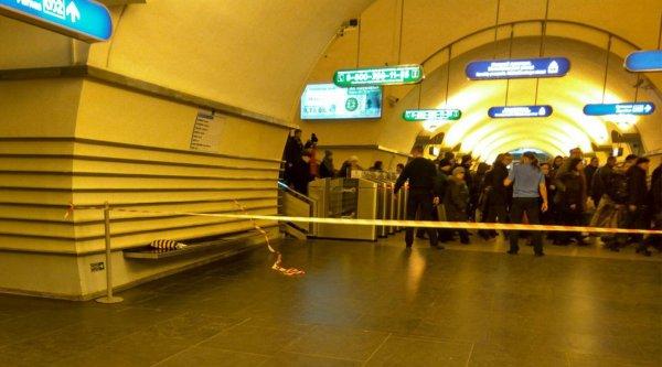 После 40-минутной проверки «Невский проспект» возобновил работу