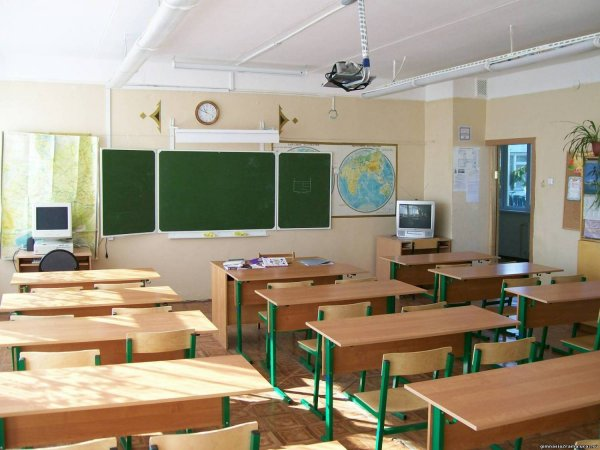 В Мурманске пятиклассник ножом угрожал учителю