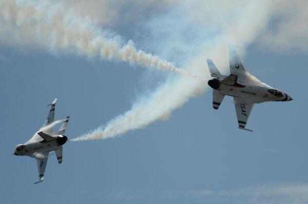 Самолёты американских ВВС едва не столкнулись в небе над Норфолком