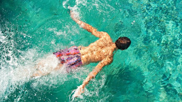 В Оулу неизвестный загрязняет бассейн аквапарка своими фекалиями
