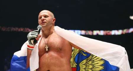 Россиянин Федор Емельяненко нокаутировал Фрэнка Мира за 48 секунд. ВИДЕО