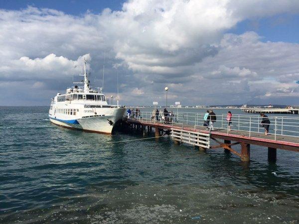 В Анапе при спуске на воду едва не «уронили» теплоход «Горгиппия»