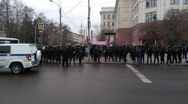 Он нам не царь: Навальный организовал серию митингов по всей России