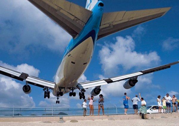 Самолет до Петербурга пришлось посадить в Сочи из-за тяжелого состояния ребенка