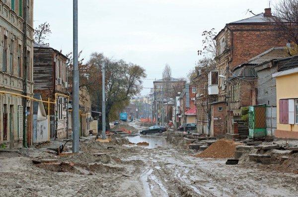 На Станиславского в Ростове появилось «озеро» из фекалий