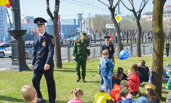 Парад ко Дню Победы в Хабаровске сопровождался ненормативной лексикой