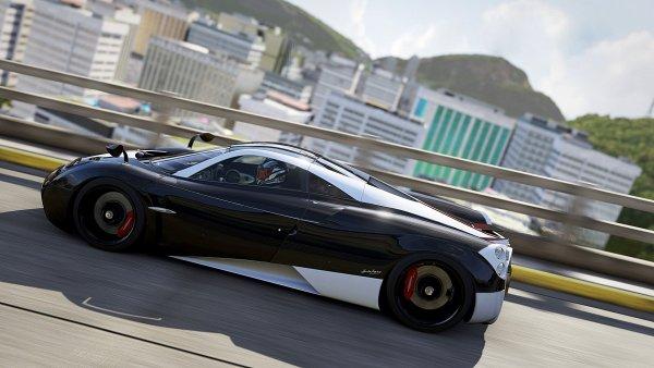 Болид российского гонщика совершил «кувырок» на скорости 300 км/ч