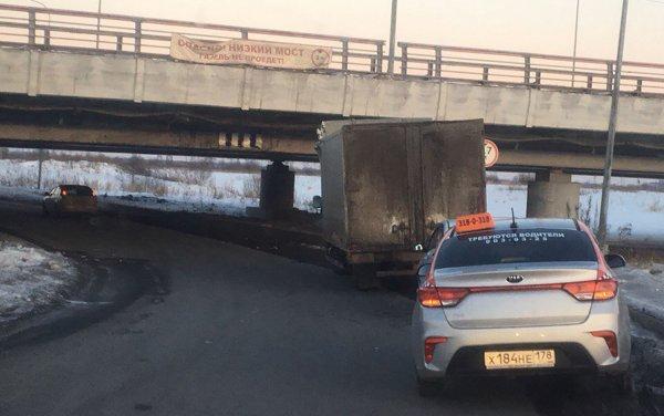 На «Мосту глупости» в Санкт-Петербурге снова случилась авария