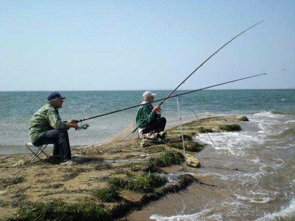 Украинские рыбаки сами стали уловом: ФСБ задержала рыбаков без документов в Азовье