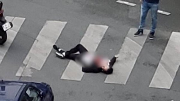 Родители напавшего на прохожих в Париже помещены под стражу