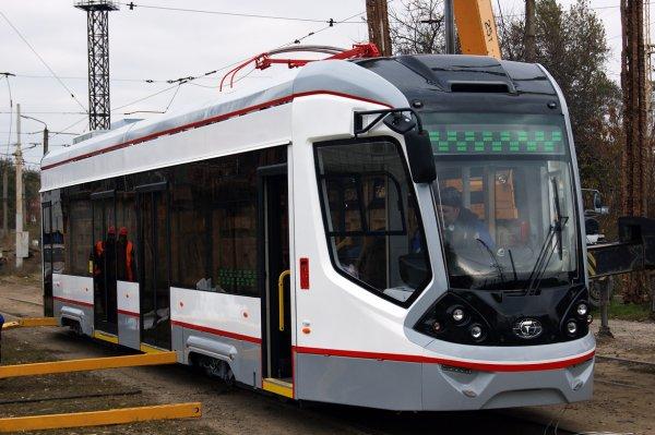 В Ростове новый трамвай сошел с рельсов