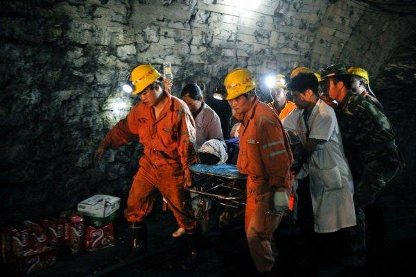 В Польше нашли тела двух шахтеров, пропавших после землетрясения