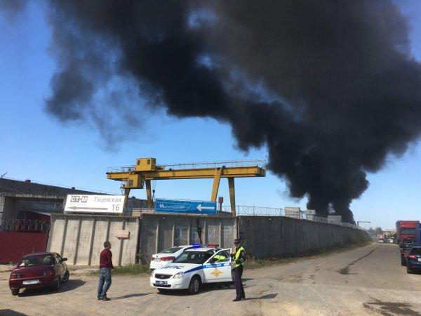 Крупнейшее ЧП в Казани: В районе ЖБИ-3 горят емкости с краской