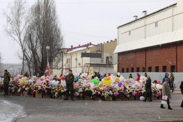 В Кемерово сносят здание торгового комплекса «Зимняя вишня»