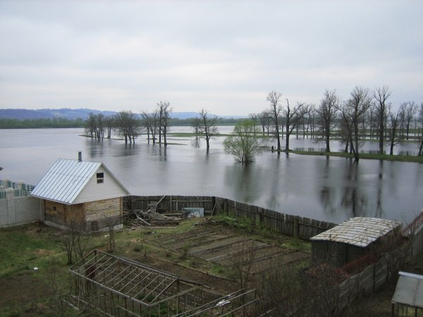 В Якутске вследствие паводка ввели режим ЧС