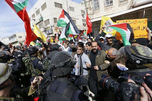 Массовые беспорядки вспыхнули в столице Палестины