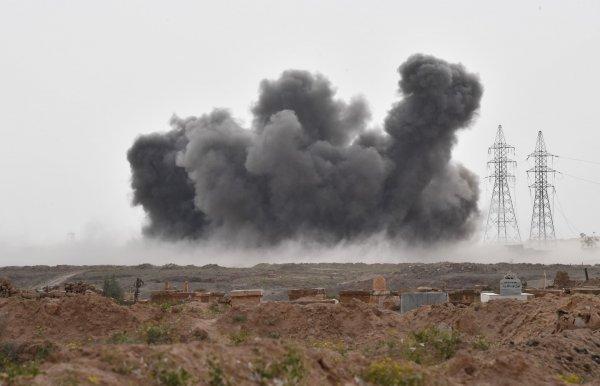 В провинции Хама у авиабазе прогремели взрывы