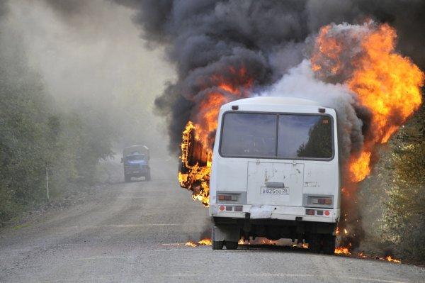 На МКАД загорелся пассажирский автобус